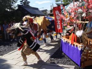横田宮の腰の獅子舞(高岡市)