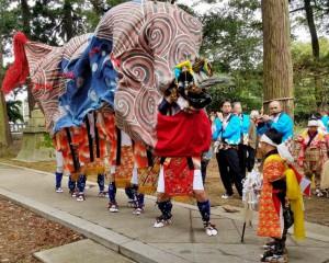 東二塚の獅子舞